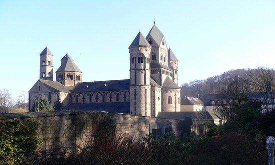 Seehotel Maria Laach: Abteikirche