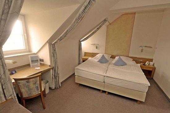 Seehotel Maria Laach: Doppelzimmer 3. Etage