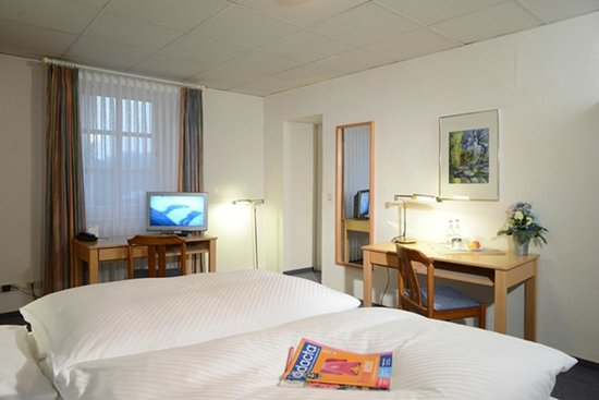 Seehotel Maria Laach: Doppelzimmer Gartenseite
