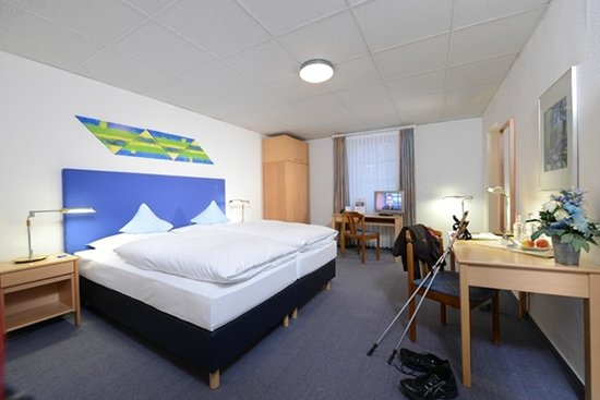 Seehotel Maria Laach: Doppelzimmer Hofseite