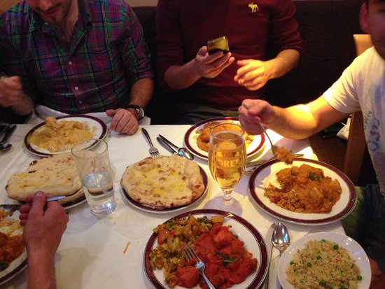 Winton Tandoori: Curry club!