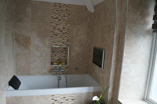 Applegarth Villa and Restaurant: Bathroom