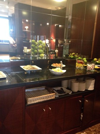 Gran Hotel Princesa Sofia: Club lounge
