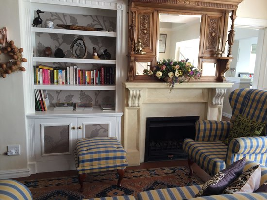 بيركينهيد مانور: lounge