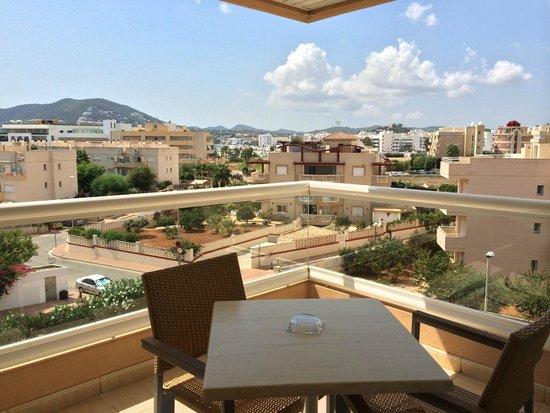 أبارت هوتل تروبيك جاردن: Balcony View