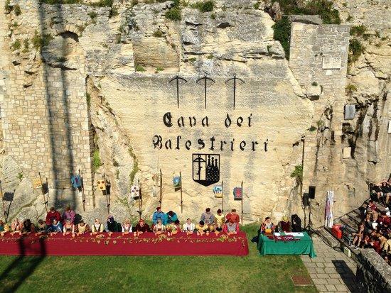 Cava dei Balestrieri: Турнир Арбалетчиков