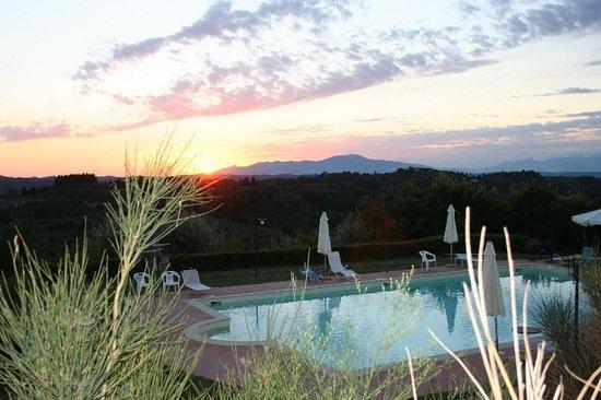 Antica Sosta: Piscina al tramonto