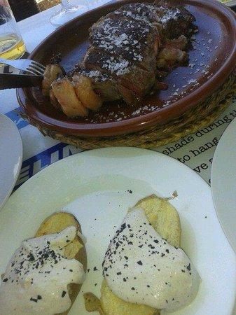 Casa Maria: Entrecot y patatas con salsa de quedó y trufa