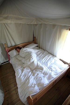 The Hideaway - Wild Luxury: Main bedroom