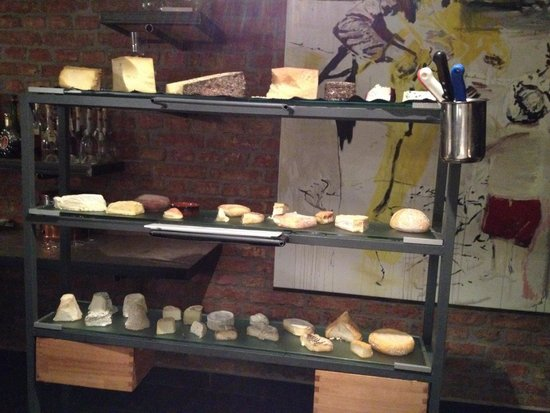 Mraz & Sohn: When did you last see a cheese board like that? Amazing!!!