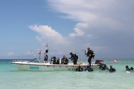 Melia Cayo Coco: Barco do Centro de Mergulho