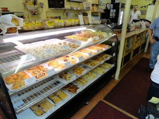 Provincetown Portuguese Bakery: Everything looked so good, but....