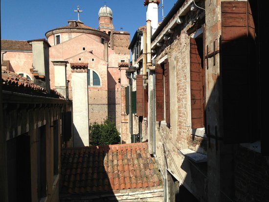 Residence Palazzo Odoni: View from Kitchen Window - inspirational