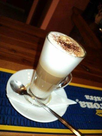 Antonis Cocktail Bar: coffee