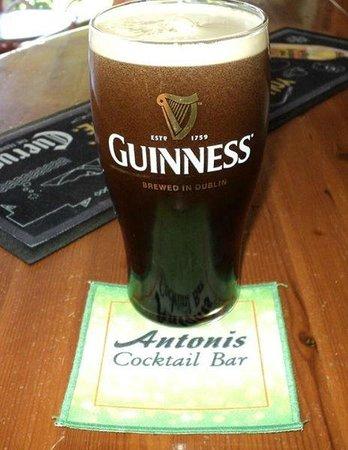 Antonis Cocktail Bar: guinness draft