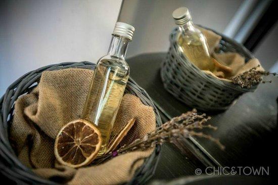 شيك آند تاون لاكشري روومز: doccia shampoo limone