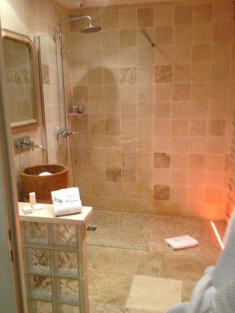 أباي دي ميزيري: La salle de bain