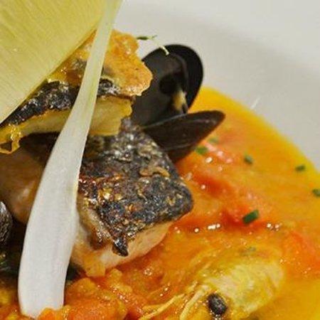 Origins Restaurant: Sea bass with mussels in a prawn bisque sauce