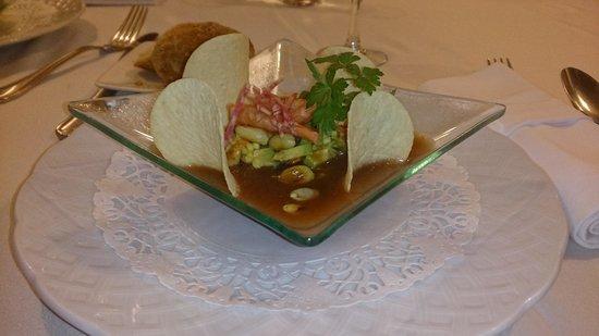 Restaurant L'Orangerie : Tartar de aguacate con gambas, gazpacho andaluz y cacahuetes tostados... excelente