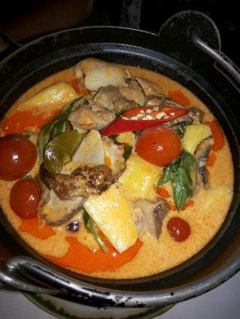 Thai Garden 2112: Ternera Curry Rojo