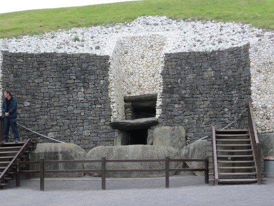 Bru na Boinne: Newgrange access