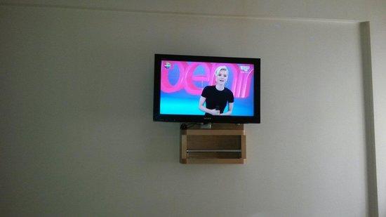 Grand Hitit Hotel: Tv:)