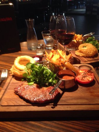 Mansion Restaurant & Wine Bar : Great Steak and Chips
