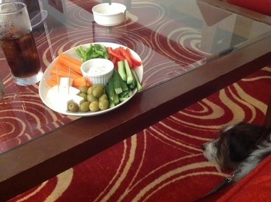 Holiday Inn Express Bahrain: nibbles at bar
