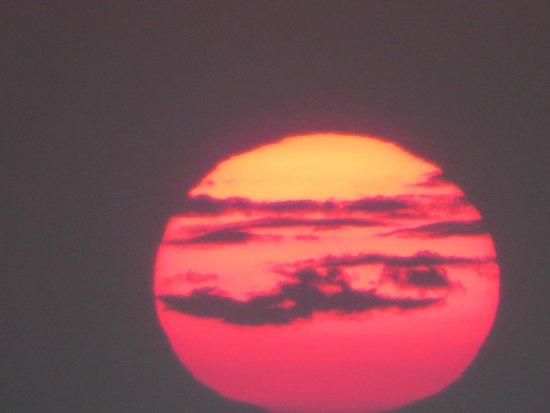 أناستاسيس آبارتمنتس: Sunset