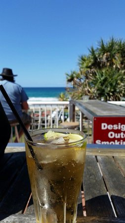 ‪‪BMD Northcliffe Surf Club‬: Drinks by the beach‬