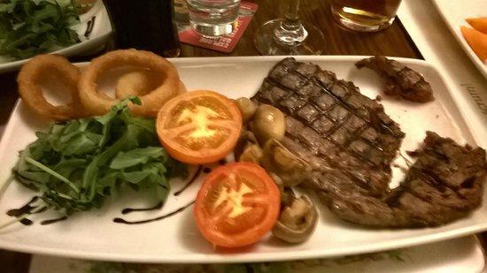 Three Shires Inn: really lovely steak