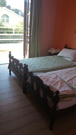 Hotel Olga: Twin bedded room
