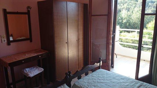 Hotel Olga: Balcony