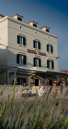 هيرتيدج هوتل تيسنو: Heritage Hotel Tisno