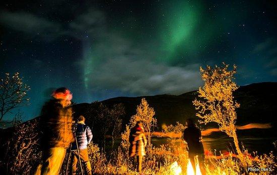 Arctic Experience Tromso: Bonfire & the dancing Lady