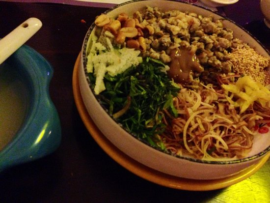 Mitau Restaurant - Traditional Hue Cuisine: シジミご飯