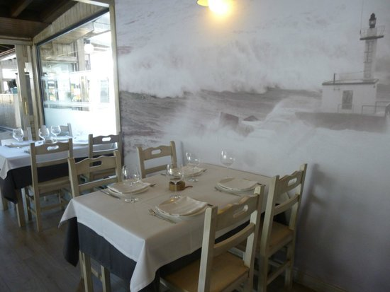 Puerto Chico Restaurante San Esteban de Pravia: COMEDOR