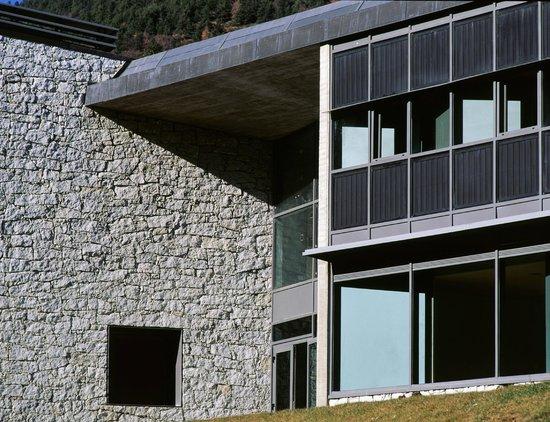 MonNatura Pirineus: Exterior