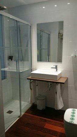Hotel Apolonia: Baño
