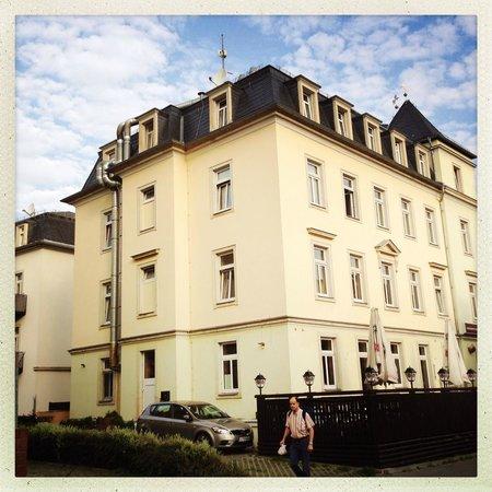 Hotel Kurfurst Dresden: Albergo dalla strada