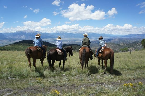 Elk Mountain Ranch: Open mountain vistas