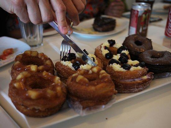 Brioche Bistro-Bakery-Coffee-Bar: Blueberry Dossants