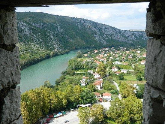 Pocitelj: Вид из окна крепости