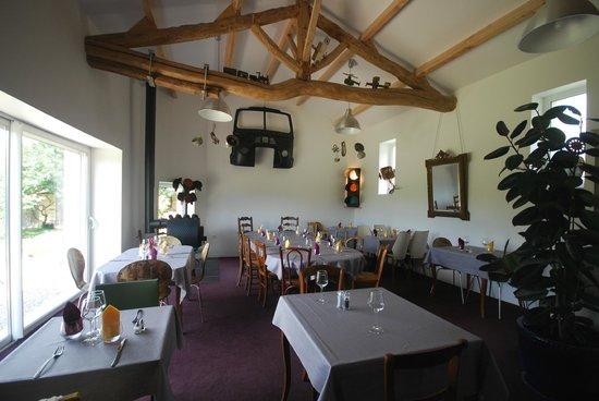 Le Merle Blanc: salle restaurant