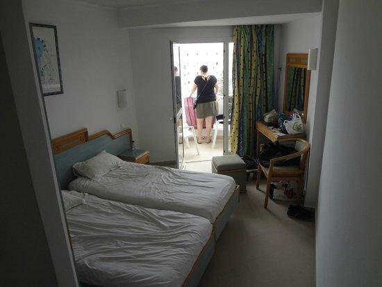 صحارى بيتش: La chambre