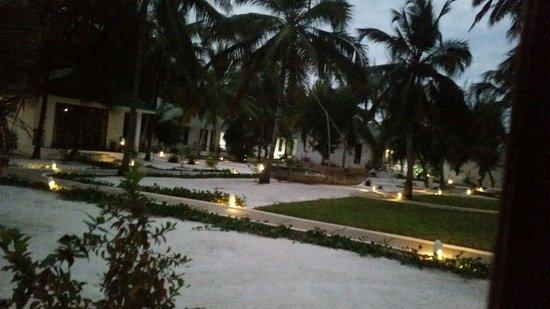 كيسيوا أون ذا بيتش: Outside  your villa
