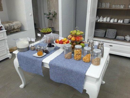 أوليفمار: Part of the breakfast selection