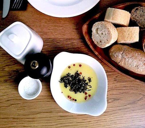 Istikamet Karakoy: Organıc olive oil and pickled thyme