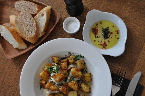 Istikamet Karakoy: Organic Olive Oil and pickled fresh thyme