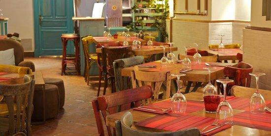 La Camarilla: Sala mesas